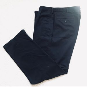 Classic Fit Pleated Black Dockers Pant